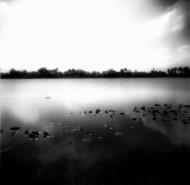 平静的湖面.