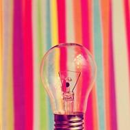 26张唯美的彩色图片~多彩掩映下的白炽灯