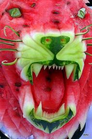 西瓜都不舍得吃了