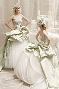 长摆白色婚纱不变的经典54