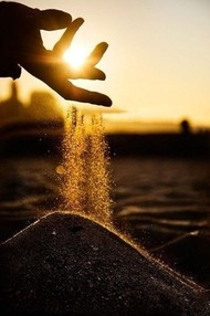 成长就是:渐渐温柔,克制,朴素,不怨不问不记,安静中渐渐体会生命盛大。