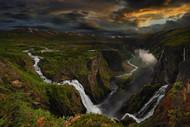美丽的瀑布 作者 Pawel Kucharski