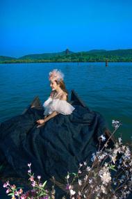 杭州薇薇新娘摄影的摄影师很给力。拍的照片很有感觉。漂亮。