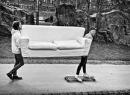 瑞典摄影师NilsErik Larson的作品,总在对的时间和对的地点,在黑白两色之间,表现出了一种莫名的小情绪,却让人感同身受。